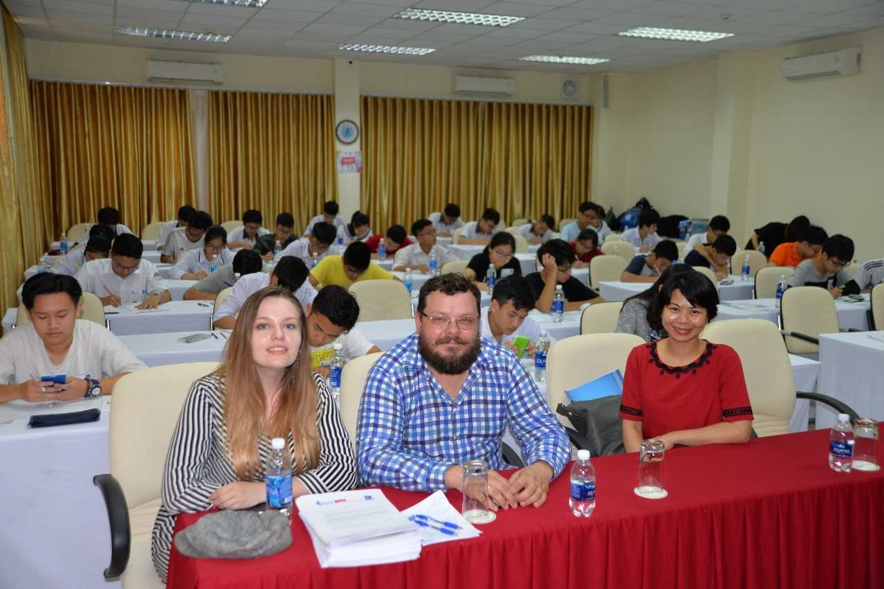 FEFU conducted a math competition for schoolchildren in Vietnam