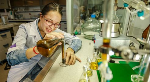 Almost 12 million rubles will be spent from the FEFU Foundation on research by young scientists