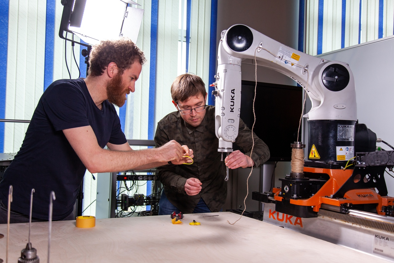 FEFU Digital Art students use industrial robots in their projects