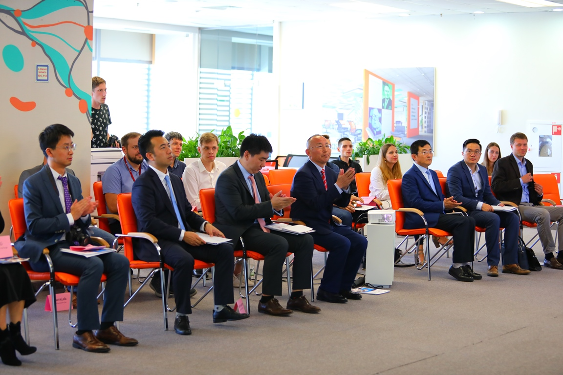 Russky Technopark at FEFU presented projects to investors from China