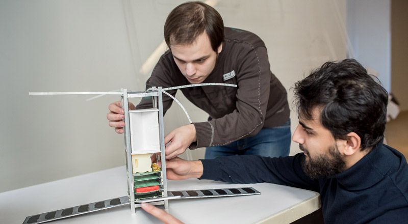 FEFU students develop small spacecraft at Project Activity Center