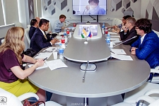"Round table ""India at the Russian Far East"""